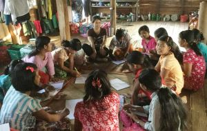 Han Su teaching English in Yae Kyaw Toe Village Photo Credit: Educational Empowerment