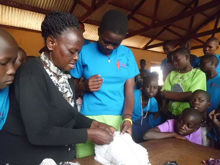 GUIU_girls sewing sanitary wear